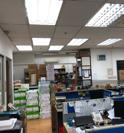 Tradehub 21, 8 Boon Lay Way, 609964 Singapore, Light
