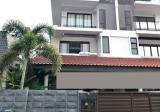 Almost New Semi -D 3 Sty With Home Lift @ Palm Drive Estate - Property For Sale in Singapore