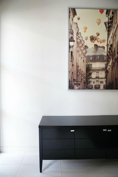 the enclave residence jakarta selatan. Black Bedroom Furniture Sets. Home Design Ideas