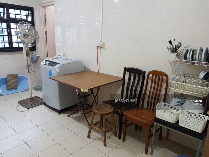 3rm hdb in jurong west near mrt amentities jurong west Master bedroom for rent in jurong west