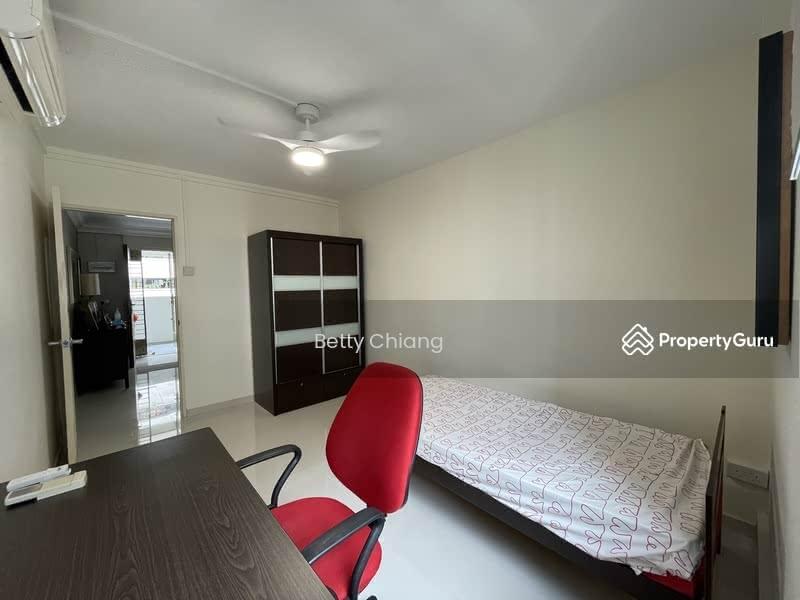 526 Hougang Avenue 6 #131262576