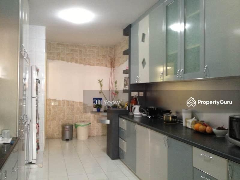 Jalan kembangan 3 storey semi detached 6 bedrooms 5500 sqft landed houses terraced houses Master bedroom for rent in geylang