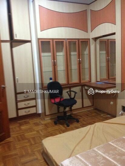 Master Bed Room Near Tanah Merah Mrt Expo Peakville 4 Bedrooms 300 Sqft Landed Houses