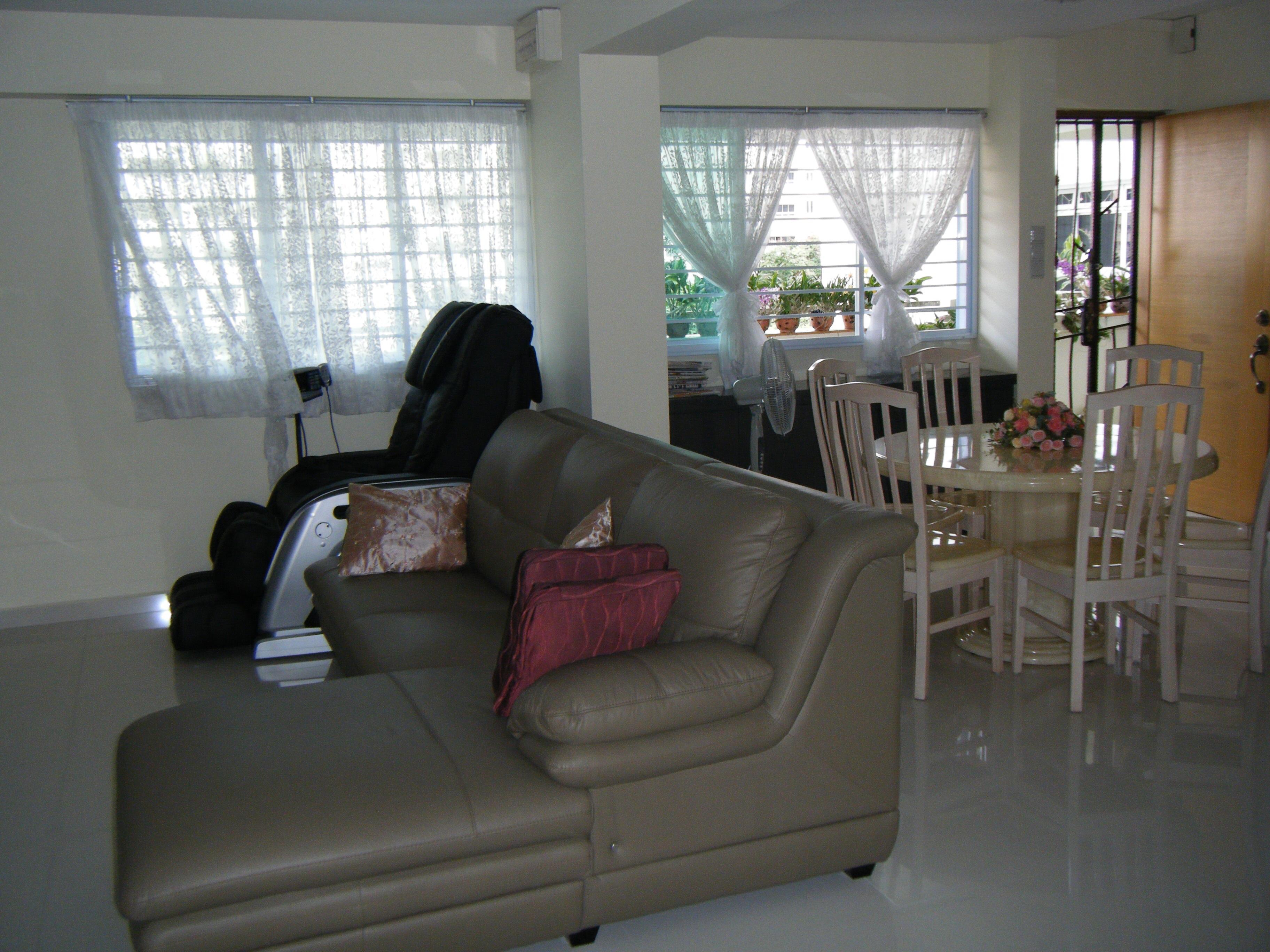 Beautifully renovted hdb a fully furnish with gym rm