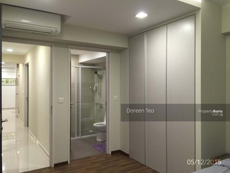 Almost brand new condo like master bedroom in clementi near mrt for 1 2 professional tenant Master bedroom clementi rent