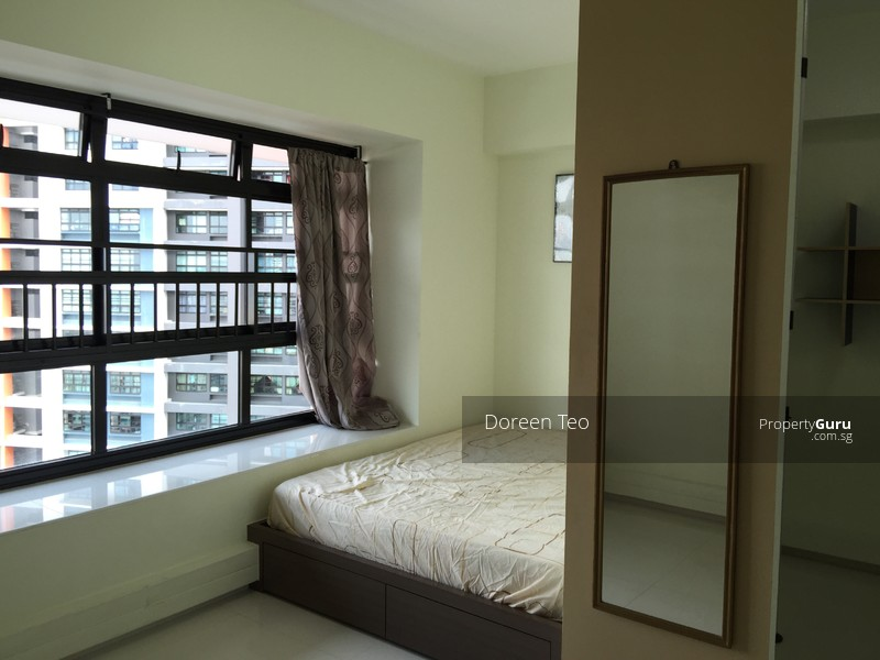 Master Bedroom Directly Above Clementi Mrt Mall Room Rental 200 Sqft Hdb Flats For Rent By