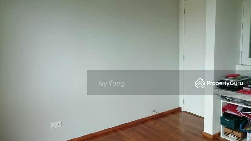Dahlia Park Condo Room For Rent