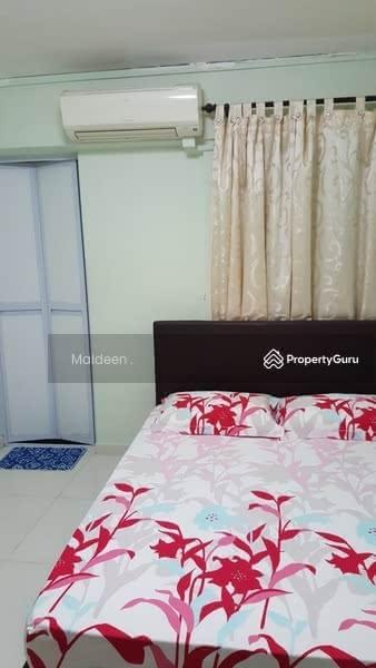 535 Jurong West Street 52 #90401600
