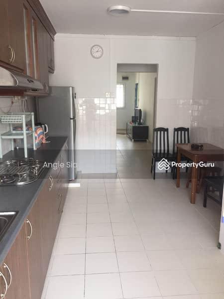 915 jurong west street 91 915 jurong west street 91 1 Master bedroom for rent in jurong west
