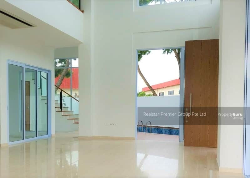 Like Bungalow! Greenery View Well Maintained House in Siglap vicinity! #106699932