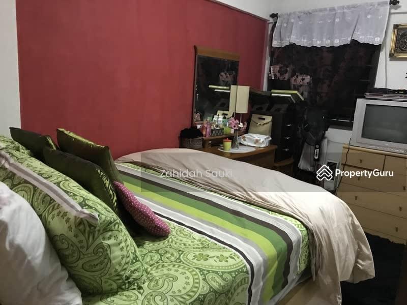 706 Yishun Avenue 5 706 Yishun Avenue 5 2 Bedrooms 775