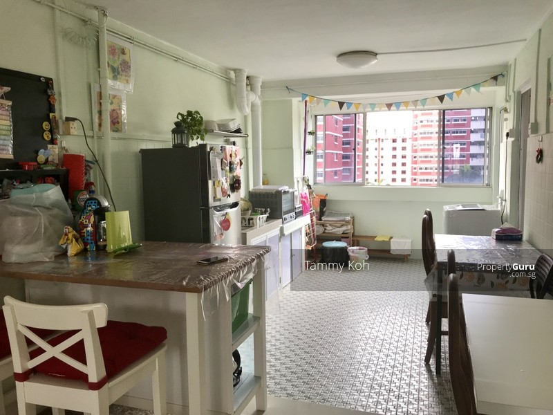 Room For Rent In Redhill Singapore