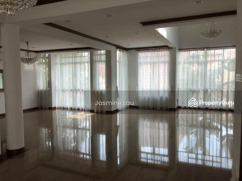 Bungalow - Jalan Chengam #99327108