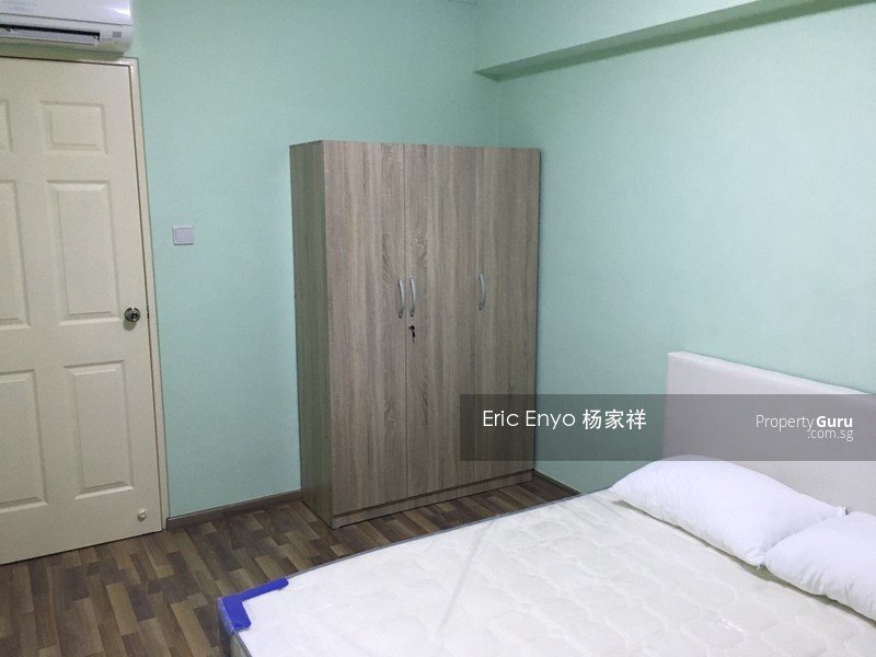696 Jurong West Central 1 #100303262