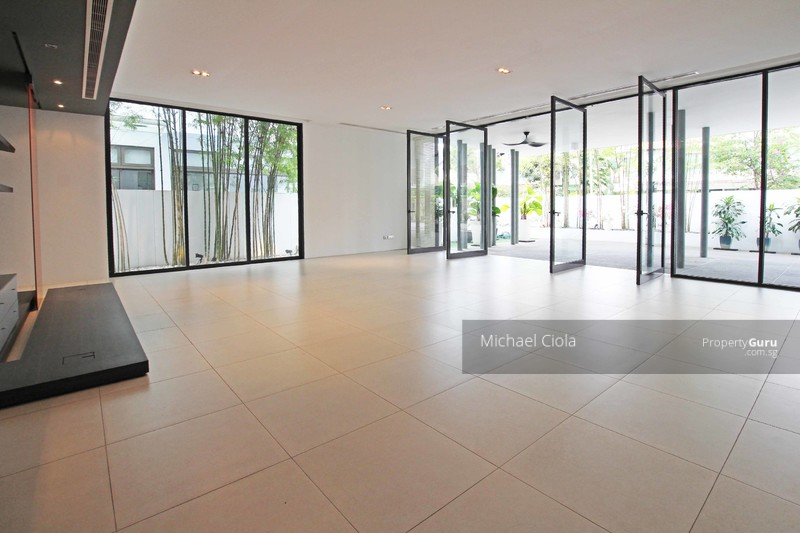 Wow, a spacious generous living area that spills  out to the alfresco area