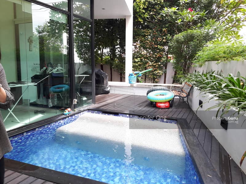 Lovely 2.5 Sty Bungalow, CHIJ, MRT Mayflower, Stroll to Bishan Park ( FREEHOLD) #104366402