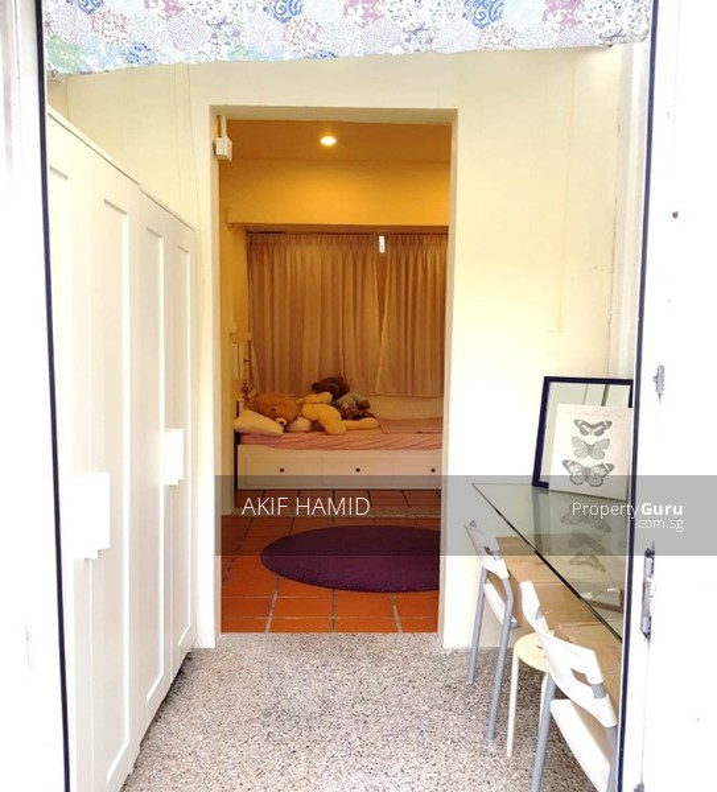 Spacious master room near Novena MRT for $1300/mth #104924690