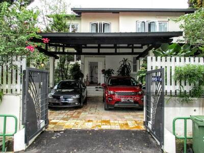 For Sale - New Listing! ! SUNSET WAY Bungalow. 5+1 rms. 2 Master rms, 2 Living rms