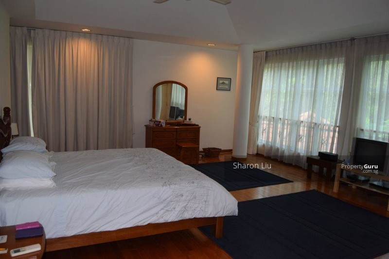 large Master bedroom with balcony, separate study/sitting area