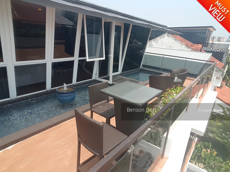 Serangoon Garden Estate ★ Modern with Pool Semi-D ★ #107889644