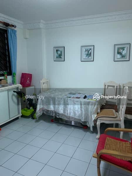 812 Jurong West Street 81 #107949038