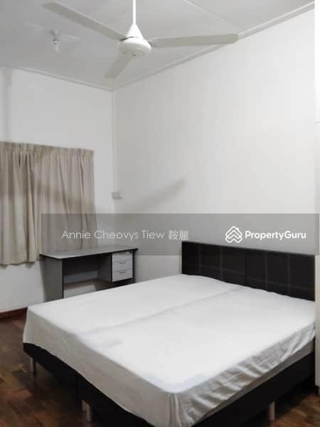 Landed House near Paya Lebar MRT, Common Room for Rent #122779772