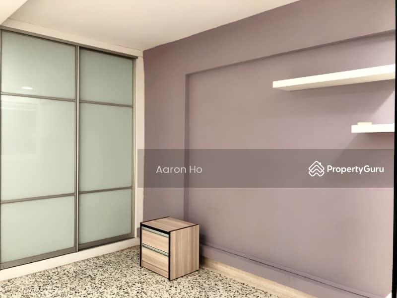 MBR Build in wardrobe & air con