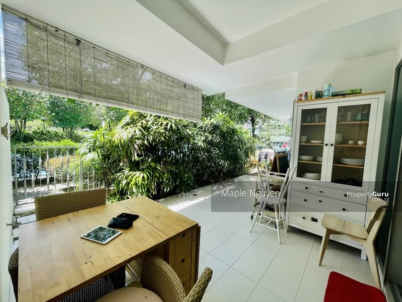 Spacious Patio - Direct access to Pool