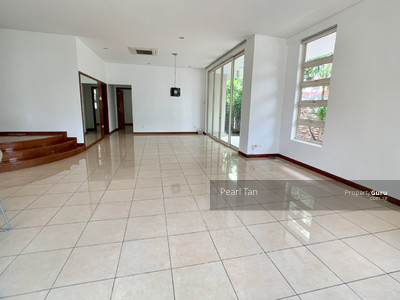 For Rent - EXPATS' CHOICE! *WALK TO MRT* COZY 3 STY LINKED BUNGALOW BRIGHT AND BREEZY@ 1 KM RGPS