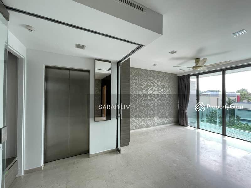 Shelford Suites #128445426