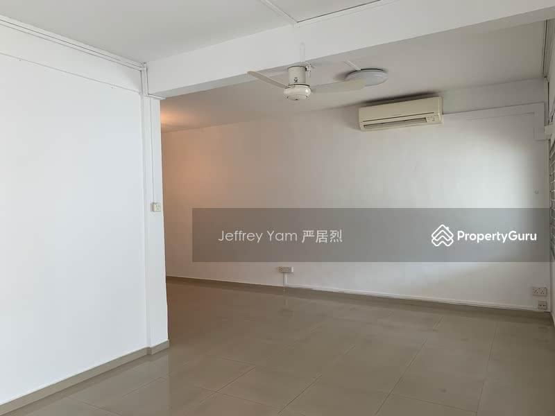 Jalan Riang #109854394