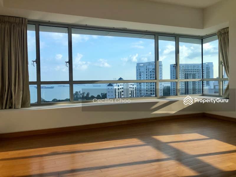 Huge master bedroom with Seaview