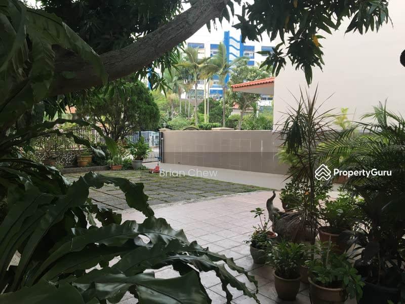 Picardy Garden #111071870