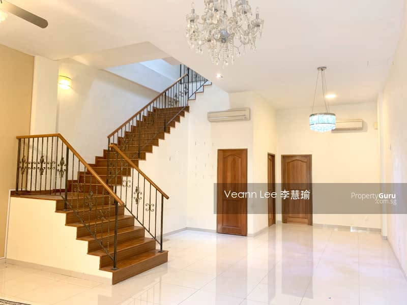 Inter Terrace On Simon Lane Renovated With Big Rooms Car Porch Fits 1 Car Simon Lane 4 Bedrooms 2300 Sqft Landed Properties For Rent By Veann Lee 李慧瑜 S 5 000 Mo 22354804