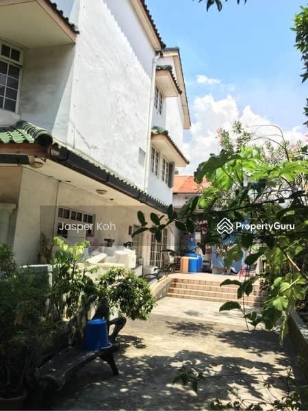 Corner Terrace along Pasir Panjang Road #124418816