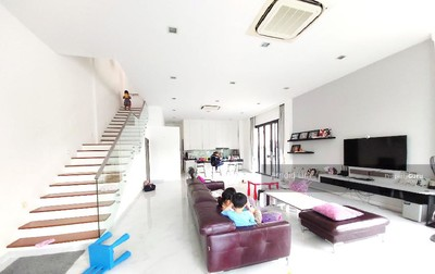 For Sale - BEAUTIFUL HIGH CEILING and NO NOON SUN at Philips Ave Vicinity
