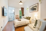 Auburn Suite in Boutique Co-living Shophouse (Aljunied MRT)
