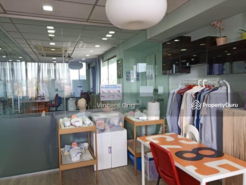 Bukit Timah Shopping Centre #122948116