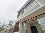 ★ Brand New ★ 328 Onan Road ★ 3. 5sty with Lift ★