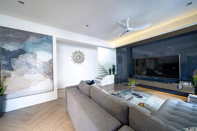 For Sale - Freehold Clover park Terrace. Between two MRT