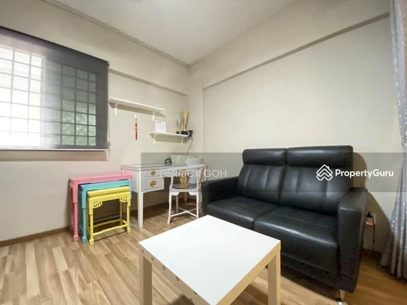 303 Jurong East Street 32 #125246764