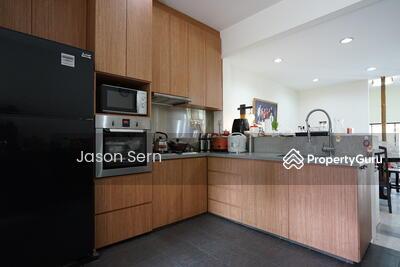 For Sale - Pasir Heights Corner Terrace