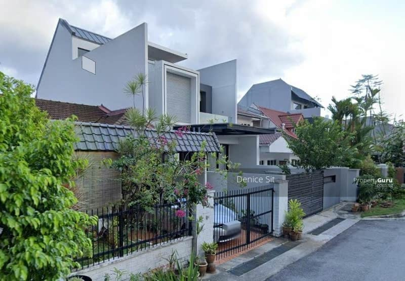 Semi-Detached House on Huge Piece of Land for your Dream Home! #126428712