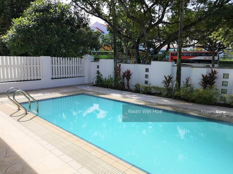 WEST COAST SPACIOUS BUNGALOW WITH POOL #126476410