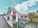 Freehold 2 storey with attic Bungalow house with garden at Siglap Road D15 For SALE