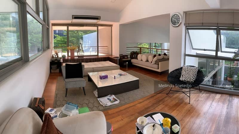 For Sale - Margate Meyer Vicinity Bungalow 2. 5 storey + basement + courtyard