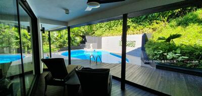 For Sale - Black and White Theme High Ground Clementi Park Move in Detached Bungalow Call David @ 81394988 Now!