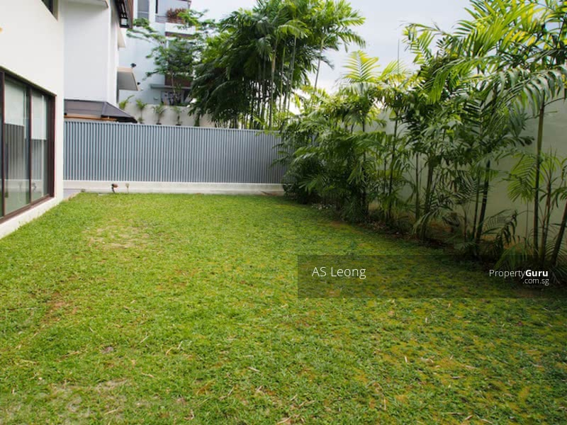 Gorgeous Freehold Bungalow at Braddell Heights Estate #127634332