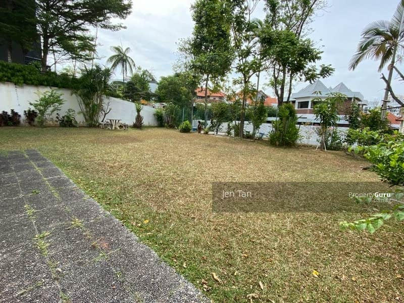 Beautiful FREEHOLD Elevated Bungalow Land #127639032