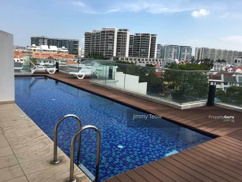 Rooftop swimming pool with cityview scenery